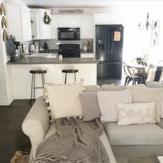 Start concretizing your home remodeling ideas Small Living, Home And Living, Living Spaces, Diy Concrete Countertops, Kitchen Countertops, Interior Exterior, Interior Design, Apartment Living, Family Apartment