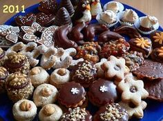Czech Desserts, Sweet Desserts, Sweet Recipes, Baking Recipes, Cookie Recipes, Snack Recipes, Christmas Sweets, Christmas Cooking, Christmas Biscuits
