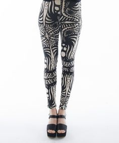 Soft organic cotton & bamboo blend leggings Road to by komana, Cheap Athletic Wear, Cute Athletic Outfits, Cute Gym Outfits, Fashion Line, Sport Fashion, Fitness Fashion, Women's Fashion, Fasion, Organic Clothing Brands