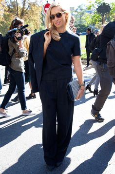 Street Style de Alexandra Golovanoff au défilé Céline Dress Like A Parisian, Parisian Style, Celine, Dressing, Summer Suits, French Girls, Mademoiselle, Street Style, Winter Wardrobe