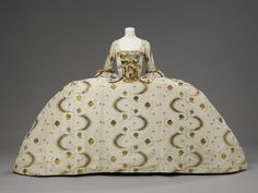 """acrosscenturiesandgenerations: """"▪Mantua. Place of origin: England (made) France (woven) Date: 1755-1760 (made) 1753-1755 (woven) Artist/Maker: Unknown (production) Materials and Techniques: Silk,..."""