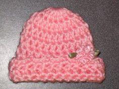 Preemie Snuggle Cap ~ free pattern at http://web.archive.org/web/20070203192058/http://crittersdesigns.com/14.html