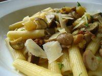 MEAT LITE: PORK, PEAR AND MUSHROOM RAGU (ground pork, shallot, mushroom, dry sherry, thyme, mushroom broth, parmesan)
