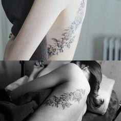 Camelia . #tattoo#tattooist#tattooistsol#솔타투#lettering#soltattoo#color#colortattoo#꽃타투#flowertattoo#flower#꽃 #타투#솔타투#타투이스트솔