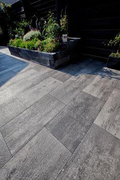 Porch Flooring Tiles, Porch Tile, Patio Tiles, Contemporary Garden Rooms, Garden Tiles, Patio Deck Designs, Garden Buildings, Front Yard Landscaping, House Front