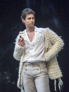 Australian countertenor David Hansen in Handel's Giulio Cesare