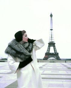 suzy parker, winter givenchy, elle paris 1954 ©georges dambier