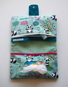 Best 12 Star nappy clutch bags available to order in several colours. Perfect for mums on the go. Baby Couture, Couture Sewing, Sewing For Kids, Baby Sewing, Nappy Wallet, Kit Bebe, Fabric Stamping, Creation Couture, Purse Organization