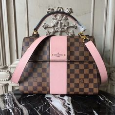 LOUIS VUITTON Replica Online Shop Bond Street Damier Ebene is exclusively of top original order quality. Discover more of our Handbags Collection by Louis Vuitton Sac Speedy Louis Vuitton, Louis Vuitton Monograme, Louis Vuitton Handbags, Vuitton Bag, Vintage Louis Vuitton, Gucci Handbags, Purses And Handbags, Gucci Bags, Tote Handbags