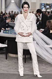 Chanel  #VogueRussia #couture #fallwinter2015 #Chanel #VogueCollections