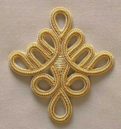 Celtic Knot x 3 DIY sewing Bullion Embroidery, Gold Embroidery, Embroidery Fashion, Hand Embroidery Designs, Embroidery Patterns, Bordados Tambour, Gold Diy, Gold Bullion, Sewing Appliques