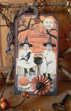 Vintage Halloween Crafts, Halloween Tags, Halloween Projects, Diy Halloween Decorations, Holidays Halloween, Halloween Ideas, Rustic Halloween, Halloween Scrapbook, Happy Halloween