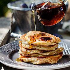 Cinnamon pancakes with plum Savory Breakfast, Sweet Breakfast, Breakfast Recipes, Breakfast Ideas, Waffle Recipes, Egg Recipes, Cooking Recipes, Recipies, Smoothie Recipes