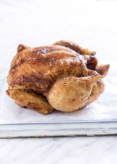 recipe for flavourful rotisserie style Air Fryer Whole Chicken give you perfectly cooked chicken with crispy skin every single time. And it's ready to serve within 1 hour! Air Fryer Recipes Uk, Air Fryer Recipes Chicken Wings, Chicken Recipes Video, Catfish Recipes, Steak Recipes, Ww Recipes, Easy Dinner Recipes, Easy Meals, Free Recipes