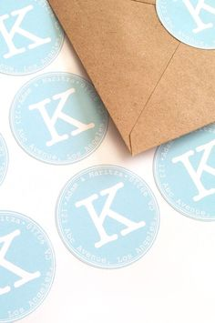 DIY Address Labels with the Silhouette CAMEO - Maritza Lisa: Use your Silhouette cutting tool to create your own address labels. This detailed tutorial will guide you through the steps. Click through to make your own!