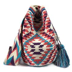 Each Wayuu bag bas taken from 15-20 days to make, each make has been crafted with love in the desert of La Guajira, Colombia. www.lombiaandco.com