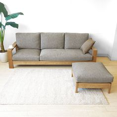 Pallet Furniture, Home Furniture, Furniture Design, Furniture Movers, Modern Hanging Chairs, Outdoor Sofa Cushions, Luminaria Diy, Wooden Sofa Designs, Room Door Design