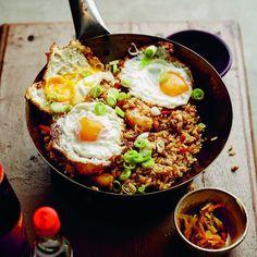 Nasi goreng speciaal Nasi Goreng, Asian Recipes, Healthy Recipes, Ethnic Recipes, Healthy Slow Cooker, Caribbean Recipes, Caribbean Food, Indonesian Cuisine, No Cook Meals
