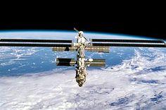 Dois astronautas no espaço para reparar avaria na EEI   Blogue alien's & android's