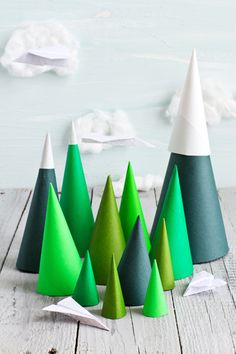 um, am soooo doing this for family night in dec...going to have pom-poms and those small adhesive jewels so the kids can decorate their tree  :)