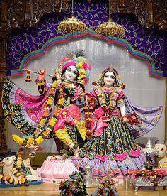 Krishna Leela, Krishna Statue, Cute Krishna, Lord Krishna Images, Radha Krishna Pictures, Radha Krishna Photo, Krishna Photos, Krishna Radha, Radha Rani