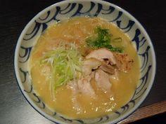 鶏そば 三歩一 Sanpoichi in Takadanobaba  http://noreason-hiroshi.blogspot.jp/2012/03/sanpoichi-in-takadanobaba.html