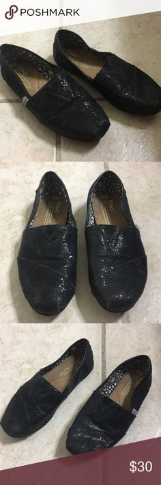 Black sparkly toms Black sparkly toms. Worn a few times, still in good condition. Toms Shoes Flats & Loafers