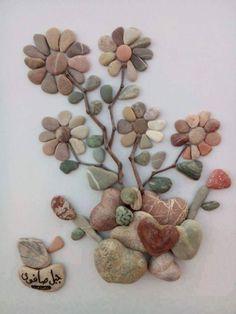 Pebble art by the Syrian artist Nizar Ali Pebble Mosaic, Pebble Art, Mosaic Art, Stone Crafts, Rock Crafts, Pebble Stone, Stone Art, Caillou Roche, Art Rupestre