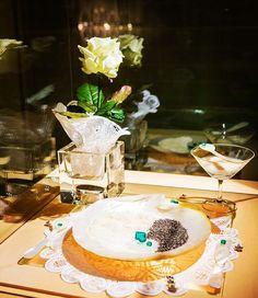 #vicore #emerald #gem #gemstone #jewel #champagne #event #show #smaragd #green #colombia #art #jewelry #investment #auction #gems #vienna #kempinski Emerald Gem, Gem Diamonds, Gem S, Vienna, Champagne, Auction, Events, Jewels, Gemstones