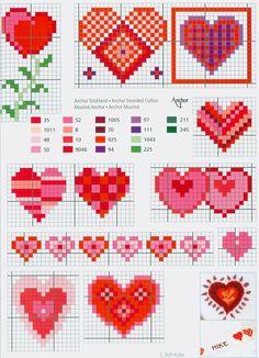 cross stitch free pattern                            - Borduurpatroon hartjes in kruissteek