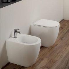 Coppia di sanitari Azzurra Comoda filomuro vaso + bidet + sedile softclose Toilet Bowl, Corner Bathtub, Ideal Home, New Homes, House Design, Shower, Interior, Home Decor, Toilets