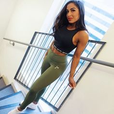 @ famme on Insta for more leggings, top and other activewear fitspo Strong Girls, Strong Women, Fit Women, Women Wear, Friday Workout, Seamless Leggings, Fit Chicks, Sports Leggings, Gym Wear