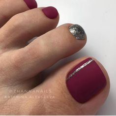 The advantage of the gel is that it allows you to enjoy your French manicure for a long time. There are four different ways to make a French manicure on gel nails. Fall Toe Nails, Pretty Toe Nails, Cute Toe Nails, Summer Toe Nails, Toe Nail Art, Love Nails, My Nails, Toe Nails Red, Nail Art Pieds