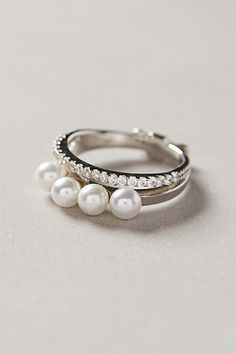 Quadruple pearl ring #anthrofave http://rstyle.me/n/skwprnyg6