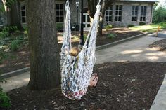 DIY: Make A Hammock Chair from Upcycled Plastic Bags