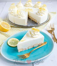 Limoncello cheesecake with long fingers - Kitchen ♥ Love - Long finger limoncello cheesecake - Sweet Desserts, No Bake Desserts, Sweet Recipes, Delicious Desserts, Limoncello, Cupcakes, Cake Cookies, Cupcake Cakes, Pie Cake