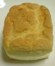 「捏ねない!発酵1回!米粉100%のパン☆」捏ねる必要もなく、発酵も一回なのに、しっかりモッチモチのパンが仕上がります。簡単なのに美味しいパンができたときは感動したよ!家族もビックリ♪【楽天レシピ】
