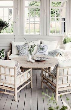 Shades of white - porch design