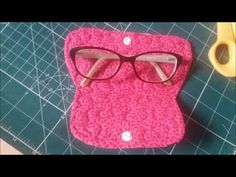 Scrap Busters, Small Sewing Projects, Cord Organization, Sewing Baskets, Glasses Case, Couture, Fabric Crafts, Purses And Bags, Knit Crochet