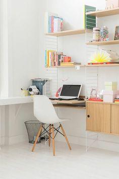 wandregale schreibtisch häusliches arbeitszimmer