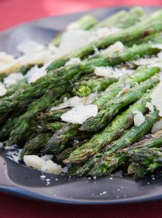 barbecue asparagus with parmesan shavings