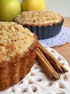 Tarta de manzanas con crumble . Ingredientes:Masa frolla:Harina 0000 200 grs Azúcar 100 grs Polvo de hornear 10 grs sal fina 5...
