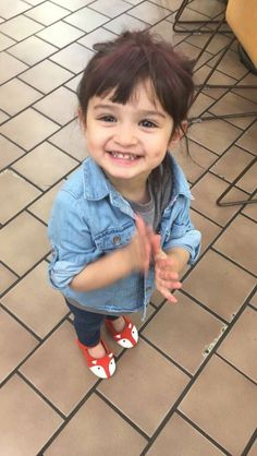 Cute Baby Girl Pictures, Cute Baby Boy, Cute Little Baby, Baby Love, Cute Girls, Baby Girls, Cute Babies Photography, Children Photography, Beautiful Little Girls