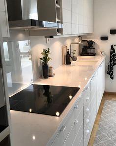 Goodmorning! I sleept really bad. Maybe it was fullmoon? But since its Friday, I will survive Wish you a great one . . . . . . . . #fridaymood #kitchen #kvartskomposit #kök #kitcheninspo #köksinspiration #köksrenovering #köksdetaljer #köksinspo #køkken #kokk #homeinspo #homedecor #mynordicroom #nordiskehjem #skandinaviskehjem #nordichome #scandichome #whiteinterior #interior_and_living #interior_delux #interiorlovers #passion4interior #inspotoyourhome #mitinspo #decoracao #decor...