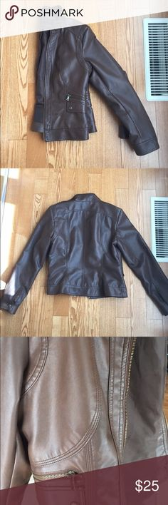 CHOCOLATE BROWN FAUX LEATHER JACKET Chocolate brown faux leather jacket. Color best depicted in last picture. Junior Medium but would also fit adult small. Great condition, barely worn. giacca Jackets & Coats