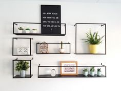 Wandplanken metaal #kolony #vanetje Home Living Room, Interior, Living Room Decor, Room Inspiration, Home Deco, Gallery Wall Bedroom, Room Decor, Bedroom Decor, Home Decor Furniture