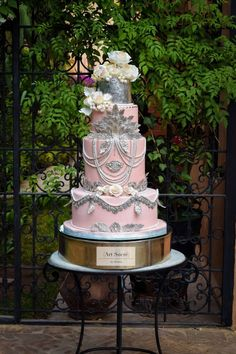 Baroque meets Art Deco meets Boho Chic , you say? All on a dusty rose background… Baroque meets Art Deco Pretty Cakes, Cute Cakes, Beautiful Cakes, Amazing Cakes, Bohemian Cake, Bohemian Chic Weddings, Boho Chic, Art Deco Wedding, Wedding Cake Designs