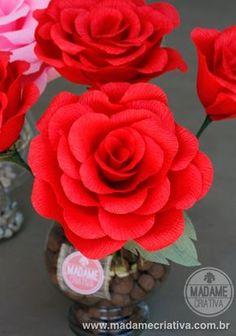 Como fazer Rosas Gigantes de Papel crepom - Dicas e passo a passo com fotos - DIY Paper Crepe Paper Roses - Tutorial - How to - Madame Criativa - www.madamecriativa.com.br
