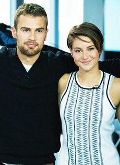 Toronto morning show with Shailene Woodley and Theo James Divergent Four, Tris And Four, Divergent Fandom, Divergent Trilogy, Theo James, Shailene Woodley, Hunger Games, Tris Et Quatre, Beaux Couples