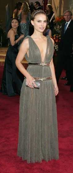 26 Oscar Dresses You Once Thought Were SooooOOOooo Pretty